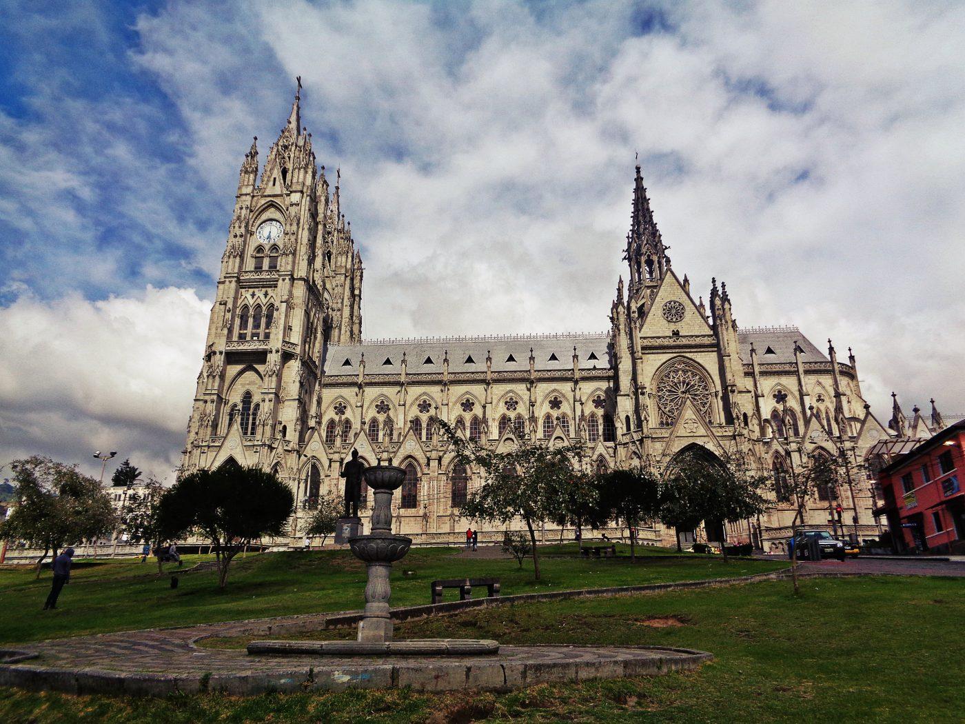 Ecuador Travel – Quito, Volcanoes, Galapagos Island