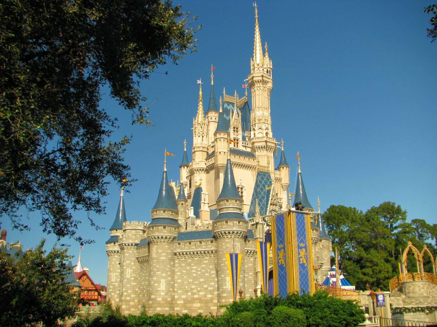 Avoiding The Crowds – When Is The Best Times To Go To Disney World?