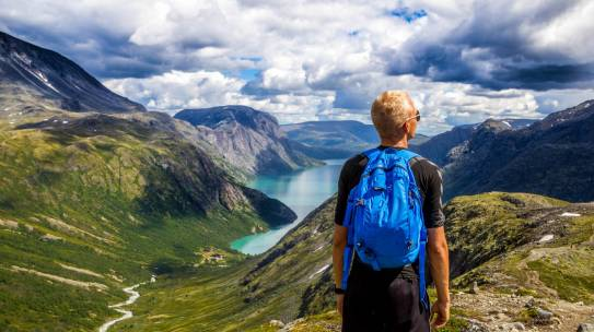 Backpacking in New Zealand – How to Get in with the Locals & Experience Things Off The Tourist Trail